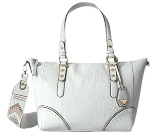 Jessica Simpson Tote in white