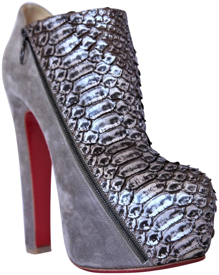 42d15f5de2e2 christian louboutin pigalle 100 pumps aus lackleder christian themed gifts  for women