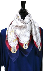 4827e3b6ab7d5 Gucci Gucci Large Ropes print Silk square Scarf style wrap