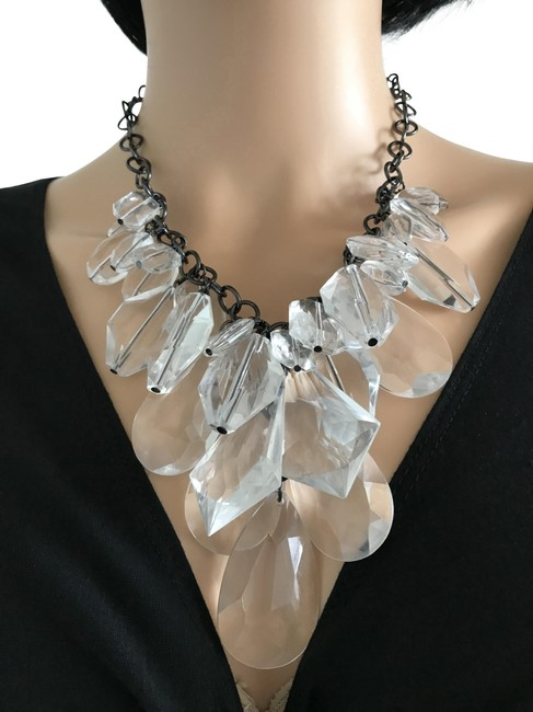 Item - Clear Acrylic Drops Necklace
