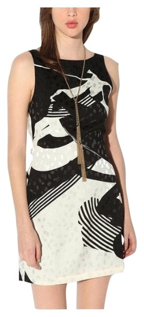 Preload https://item4.tradesy.com/images/urban-outfitters-black-cream-short-casual-dress-size-12-l-2261468-0-0.jpg?width=400&height=650
