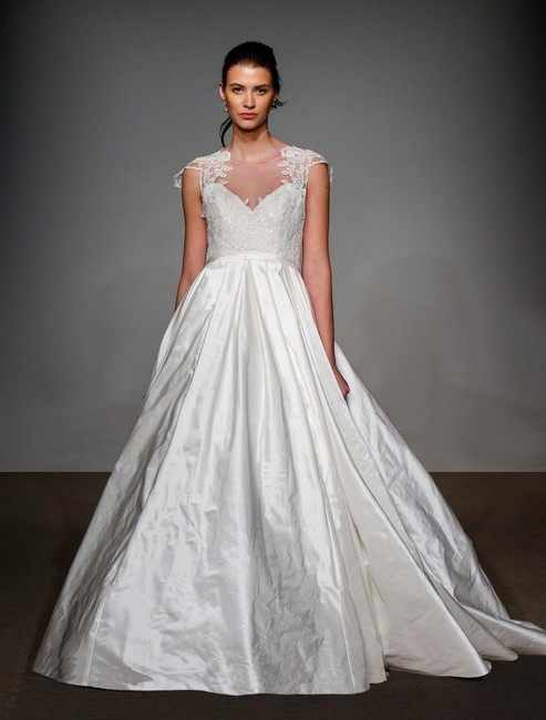 Item - Soft White (Looks Light Ivory) French Lace Silk Taffeta Renee 4506 Formal Wedding Dress Size 10 (M)