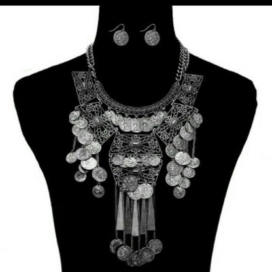 LONDON WRAP/Zena Design's NWT/London Wrap/Zena Design's/Boho Coin Statement Necklace & Earrings Set