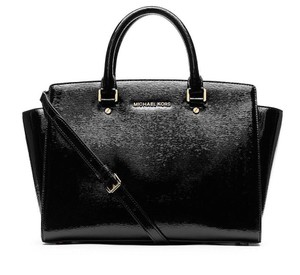 Michael Kors Selma Patent Leather Selma Mk Selma Large Mk Patent Satchel in BLACK/GOLD Hardware