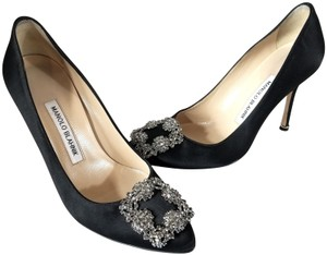 Manolo Blahnik Jewel Embellishment Elegant Satin Padded Insole Made In Italy Leather Lining Black Pumps
