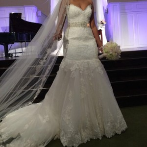 Ivory Lace Modern Wedding Dress Size 12 (L)