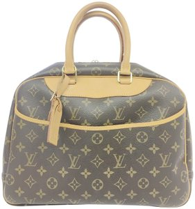 Louis Vuitton Deauville Monogram Canvas Shoulder Bag
