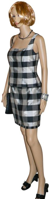 Item - Blk/Silver/Metalic Sheen Silk Style Get Noticed Wearing This Set. Express U Self Skirt Suit Size 4 (S)