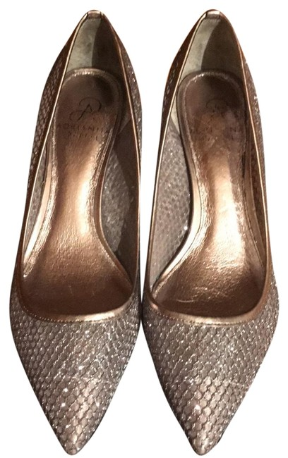 Item - Silver Lois Glitter Mesh Pointed-toe Pumps Formal Shoes Size US 8 Regular (M, B)