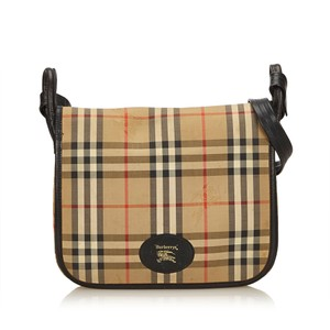 Burberry 7jbush007 Shoulder Bag