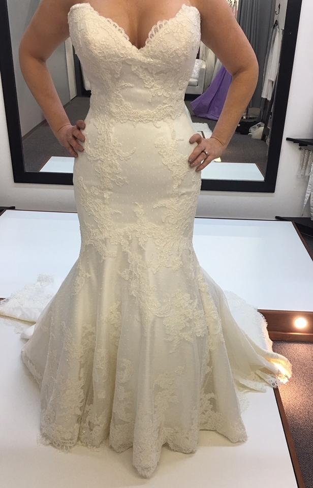Matthew christopher ivory amelie traditional wedding dress for Matthew christopher wedding dress prices