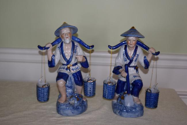 Item - Blue /White Pair Vintage Oriental Couple with Buckets Cobalt 1960's Figurines Decoration