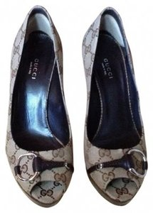 Gucci Taupe, Dark Brown Pumps