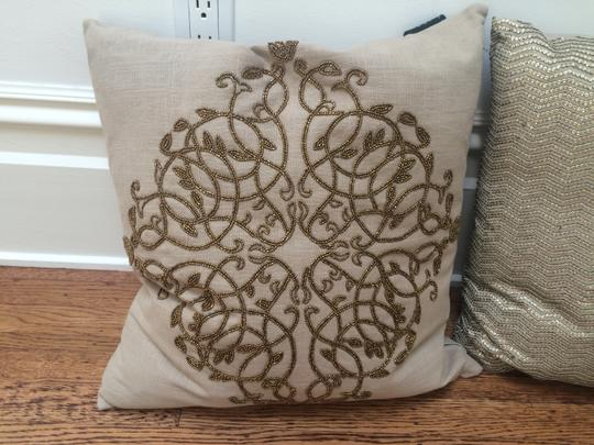 4 Like-new Linen Pillows With Gold Detail