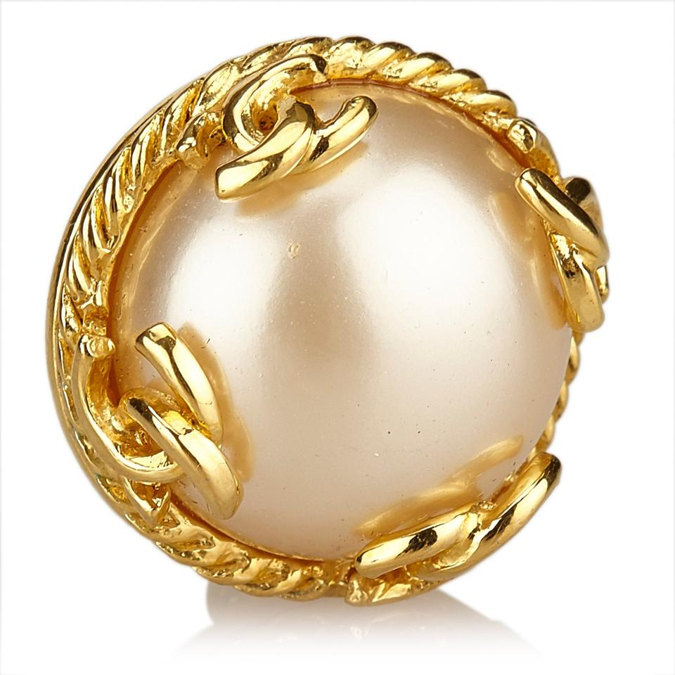 chanel gold faux pearl clip on earrings tradesy. Black Bedroom Furniture Sets. Home Design Ideas
