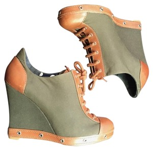 Marc by Marc Jacobs Army Unique Eyelet Wedge Green Boots