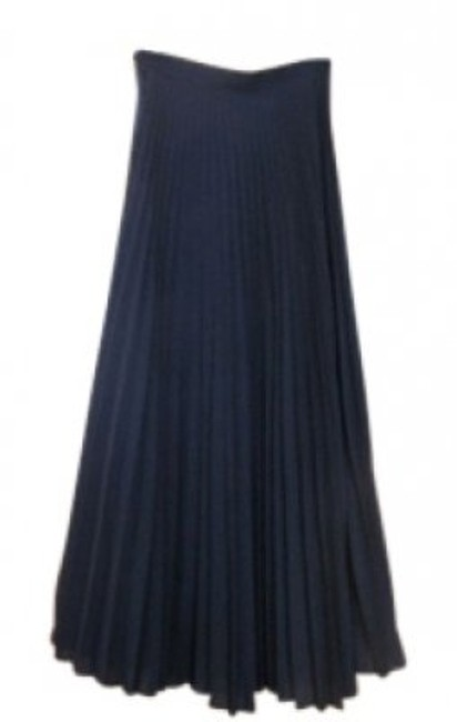 Preload https://item1.tradesy.com/images/saks-fifth-avenue-black-pleated-maxi-skirt-size-2-xs-26-22635-0-0.jpg?width=400&height=650