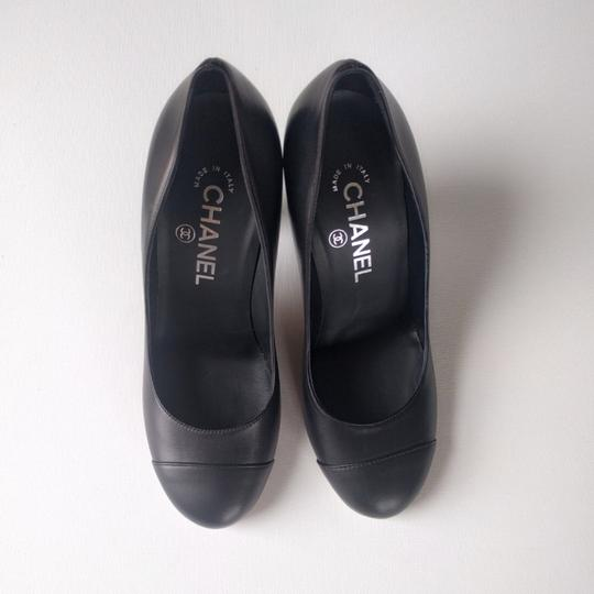 Chanel Leather Pearl Lucite Black Pumps Image 1