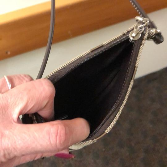 Coach Wristlet in brown Image 3