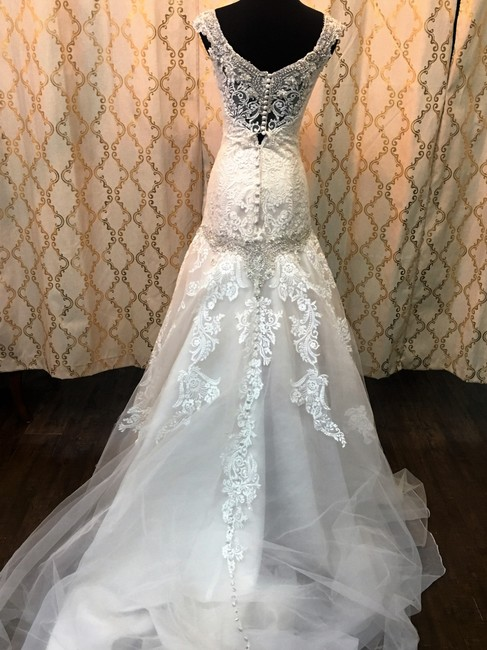 Item - Iv/Champ Lace/Tulle 9127 Formal Wedding Dress Size 4 (S)