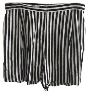 H&M Fashiontrends2017 Pinstripe Summer Dress Shorts Black and White