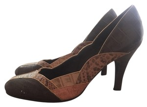 Boutique Brown Pumps
