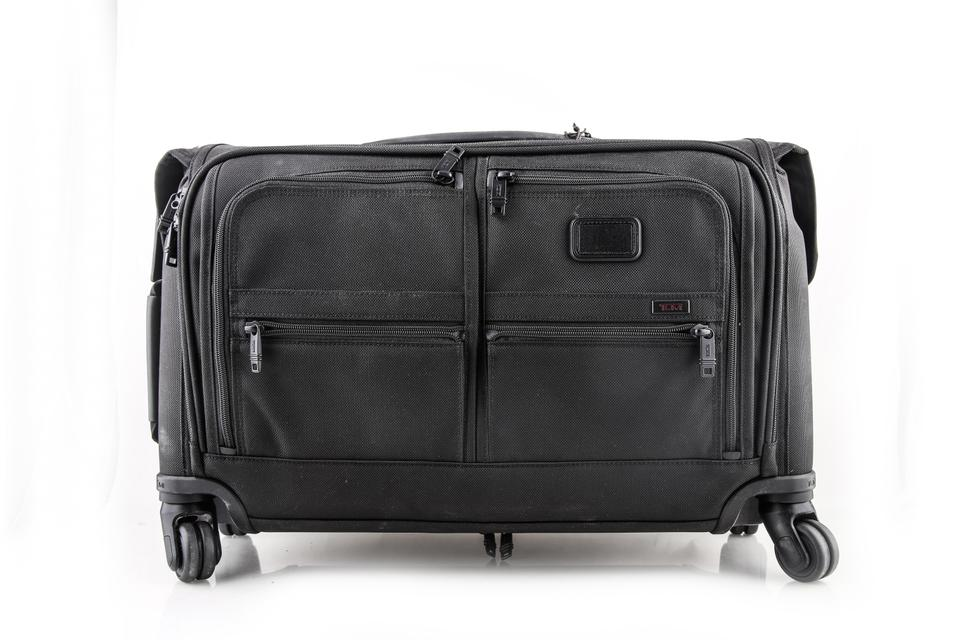 d230ec46e103 Tumi * Luggage Carry-on 4 Wheeled Garment Black Weekend/Travel Bag 13% off  retail