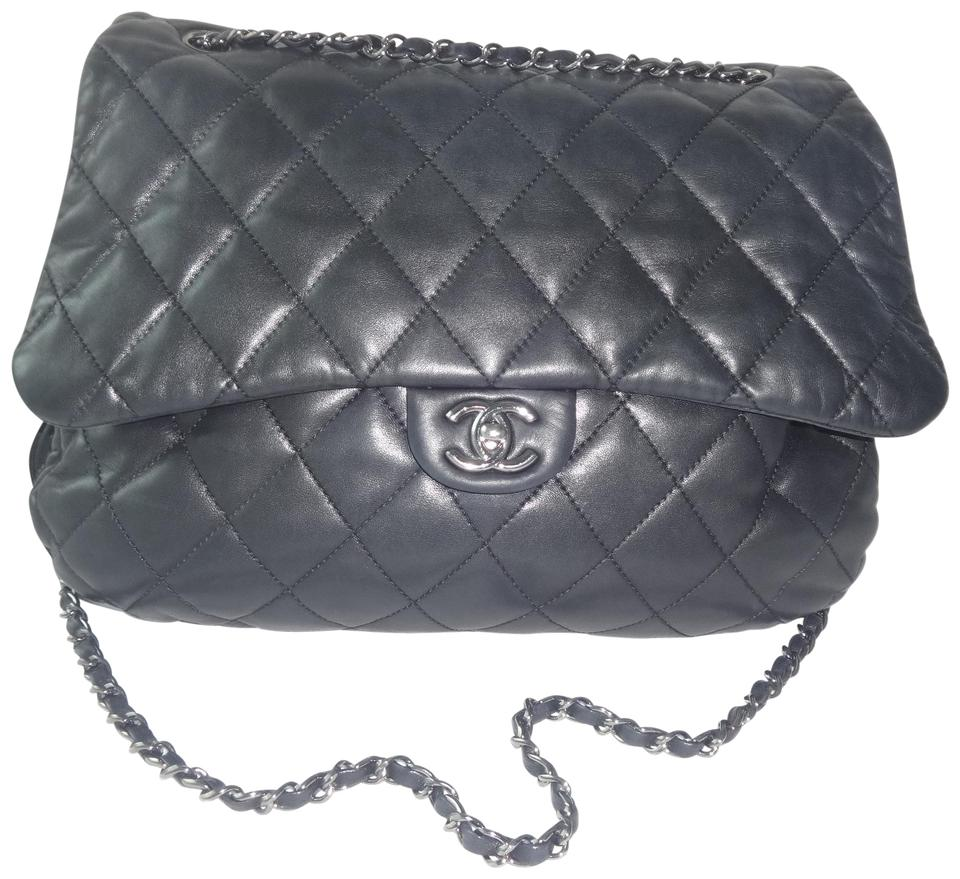 71f657e7b329 Chanel Classic Quilted 3 Accordion Flap Jumbo Excellent Condition Black Leather  Shoulder Bag