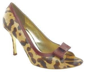 Dolce & Gabbana Yellow Pumps