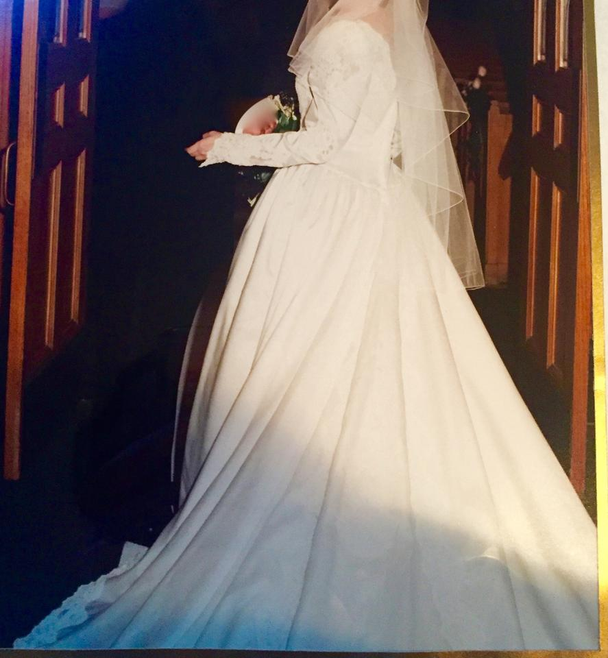 Candlelight iovery satin white gown vintage wedding dress for Wedding dress cleaned and boxed