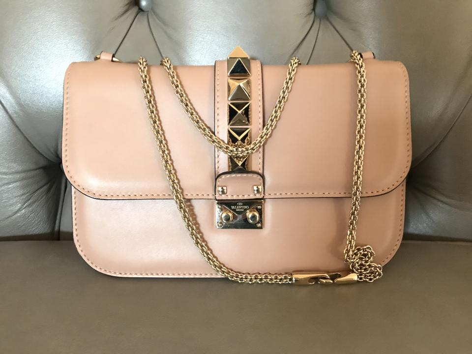 67cbeac9b9 Valentino Garavani Leather Lock Rockstud Medium Poudre Shoulder Bag ...