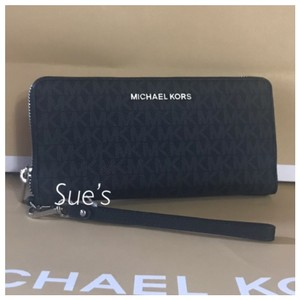 126ddb7397a480 Michael Kors Black Mk Jet Set Travel Continental Wallet - Tradesy