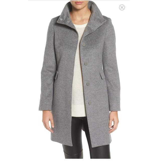 Preload https://img-static.tradesy.com/item/22646594/max-mara-gray-stand-colar-wool-coat-size-12-l-0-0-650-650.jpg