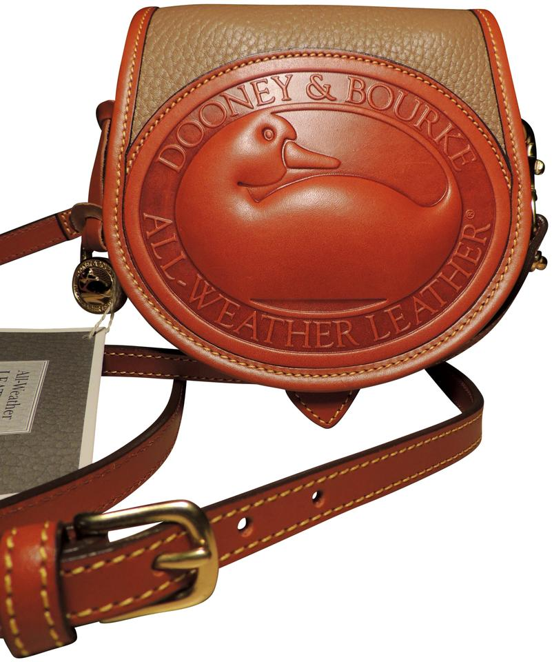 b60c434b9 Dooney   Bourke Never Worn Rare Vintage Awl R150 Big Duck Taupe British Tan  All Weather Leather Pebbled Leather Cross Body Bag