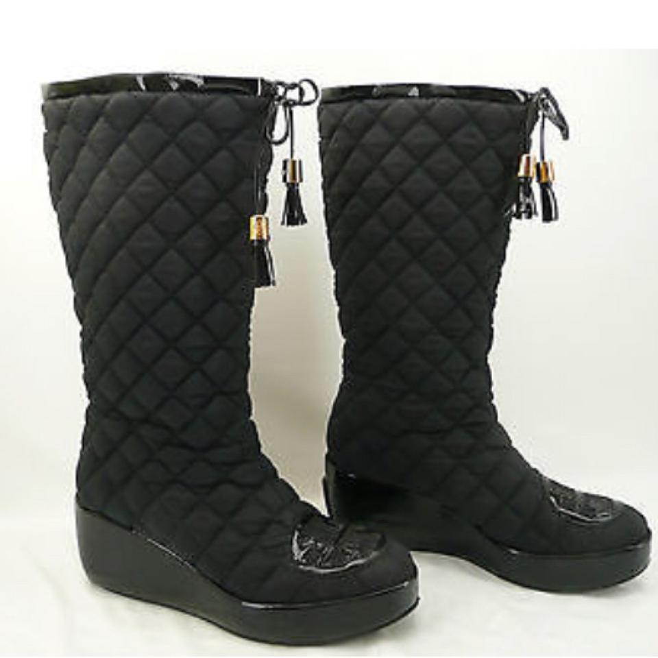 280bf9356f6247 Tory Burch Black Gigi Logo Quilted Tassel Wedge Platform Patent Boots  Booties Size US 8 Regular (M