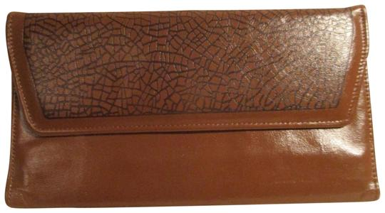 Preload https://img-static.tradesy.com/item/22648808/brown-vintage-cowhide-wallet-0-1-540-540.jpg
