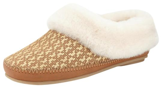 Preload https://img-static.tradesy.com/item/22648992/tory-burch-tan-white-gold-belding-shearling-lined-slipper-goldtan-flats-size-us-8-regular-m-b-0-1-540-540.jpg