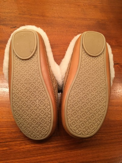 Tory Burch Michael Kors Ugg Kate Spade J Crew Tan, White, Gold Flats