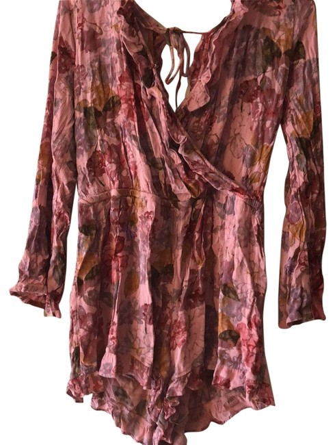 Preload https://img-static.tradesy.com/item/22649038/mossimo-supply-co-pink-multi-floral-romperjumpsuit-0-1-650-650.jpg