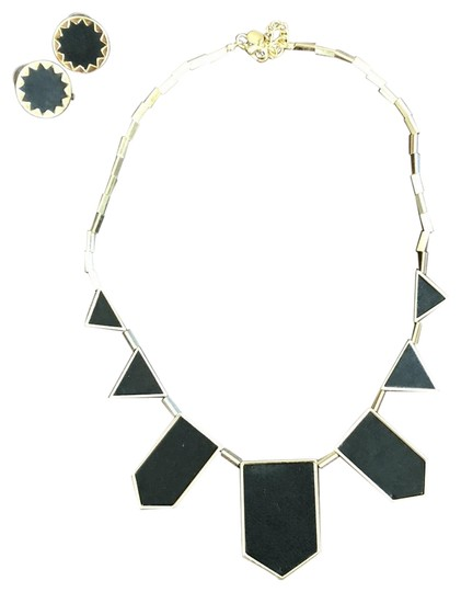 Preload https://img-static.tradesy.com/item/22649046/house-of-harlow-1960-black-leather-on-gold-hardware-5-station-and-sunburst-earrings-necklace-0-1-540-540.jpg