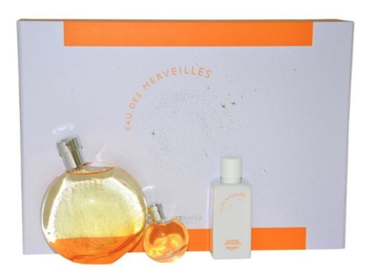 Preload https://img-static.tradesy.com/item/22649148/hermes-orange-white-gold-gift-box-0-0-540-540.jpg