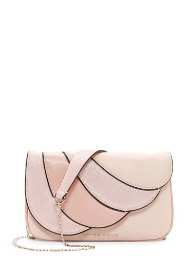 Preload https://img-static.tradesy.com/item/22649200/trina-turk-oahu-bagclutch-pink-leather-shoulder-bag-0-0-540-540.jpg
