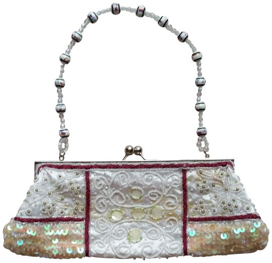 Preload https://img-static.tradesy.com/item/22649361/beaded-shoulder-bag-0-1-540-540.jpg