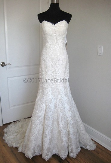 Preload https://img-static.tradesy.com/item/22649498/essense-of-australia-ivoryoyster-lace-d2224-feminine-wedding-dress-size-8-m-0-0-540-540.jpg