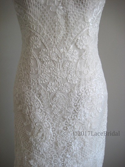 Essense of Australia Ivory/Oyster Lace D2224 Feminine Wedding Dress Size 8 (M)