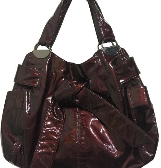 Preload https://img-static.tradesy.com/item/22649533/kooba-burgandy-patent-leather-shoulder-bag-0-1-540-540.jpg