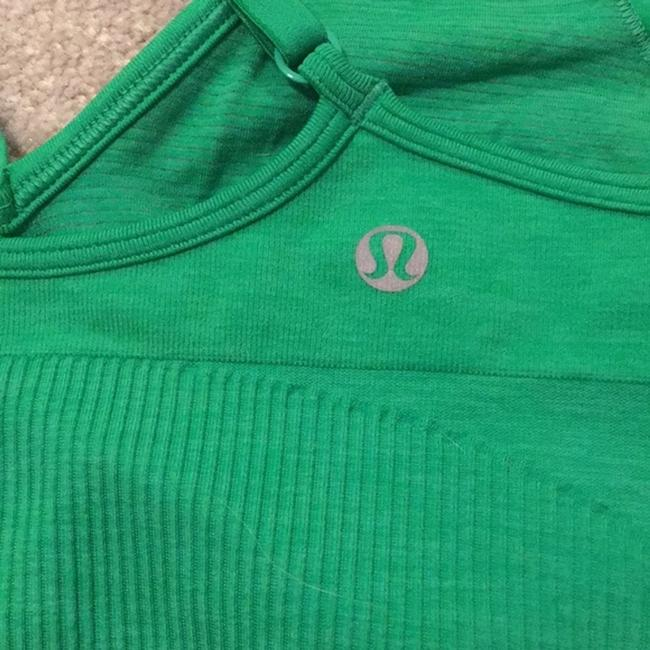 Lululemon Ebb To Street Bra NWOT Comes with extra padding