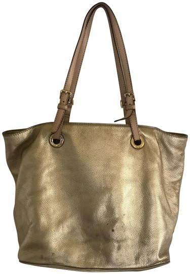 Michael Kors Jet Large Tote in gold and tan