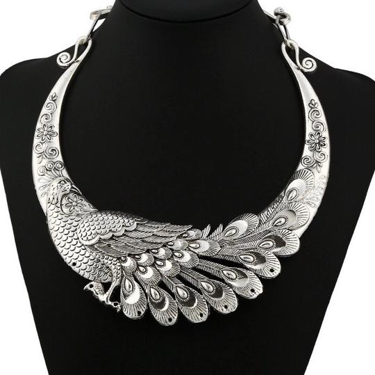 Queenesthershop Brand Retro Carved Peacock Collar Choker
