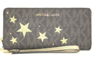 Michael Kors Mk Pvc/Leather Brown/Gold 191935024879 Wristlet in Brown/Gold
